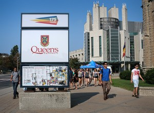 New-queensu-sign-Aug31-2015-02-600